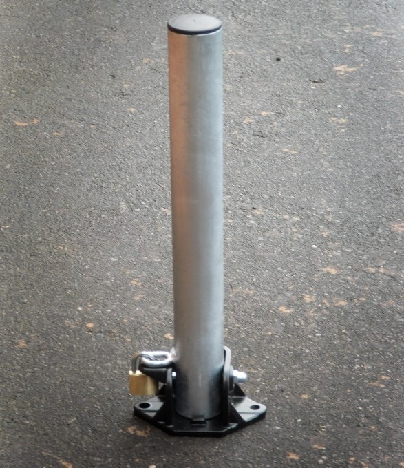 Collapsible parking post