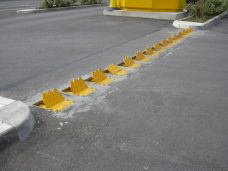recessed flow plates